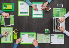 Πράσινη επιχειρησιακή ομάδα Στοκ εικόνες με δικαίωμα ελεύθερης χρήσης
