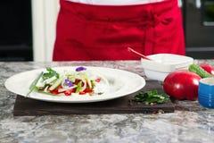 Πράσινη θερινή σαλάτα με τις ντομάτες κερασιών Στοκ εικόνες με δικαίωμα ελεύθερης χρήσης