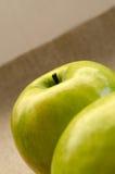 Πράσινη κινηματογράφηση σε πρώτο πλάνο μήλων Στοκ Φωτογραφίες