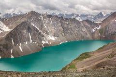 Πράσινη λίμνη ΑΛΑ-Kol Στοκ εικόνα με δικαίωμα ελεύθερης χρήσης