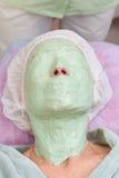 Πράσινη μάσκα προσώπου άλατος αλγινικού οξέος Στοκ Φωτογραφίες