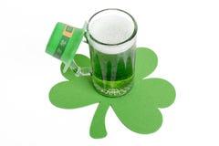 Πράσινη μπύρα στοκ εικόνα