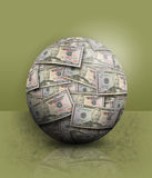 Πράσινη οικονομική σφαίρα χρημάτων Στοκ φωτογραφίες με δικαίωμα ελεύθερης χρήσης