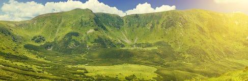 Πράσινη σειρά βουνών Στοκ φωτογραφία με δικαίωμα ελεύθερης χρήσης