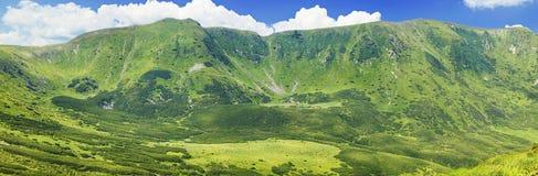 Πράσινη σειρά βουνών Στοκ Φωτογραφία