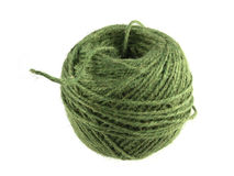 Πράσινη σφαίρα της σειράς ή του σπάγγου σε ένα άσπρο υπόβαθρο Στοκ εικόνες με δικαίωμα ελεύθερης χρήσης