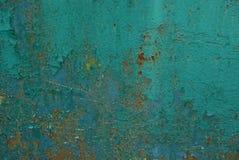 Πράσινη σύσταση μετάλλων από έναν παλαιό σκουριασμένο τοίχο στοκ εικόνες με δικαίωμα ελεύθερης χρήσης