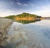 Πράσινοι λόφοι λιμνών και άνοιξη Στοκ Εικόνες