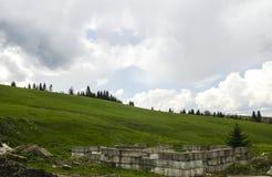 Πράσινοι λόφοι τομέων Στοκ εικόνα με δικαίωμα ελεύθερης χρήσης