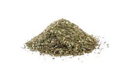 Πράσινος αλμυρός μίγμα ή σωρός Chubritsa που απομονώνεται στο άσπρο υπόβαθρο Μπροστινή όψη στοκ εικόνα