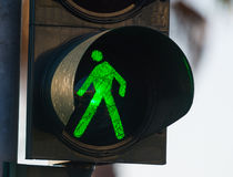 Πράσινος για τους πεζούς φωτεινός σηματοδότης Στοκ εικόνα με δικαίωμα ελεύθερης χρήσης