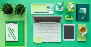 Πράσινος δημιουργικός υπολογιστής γραφείου Στοκ Εικόνες