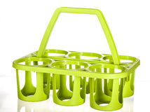 Πράσινος κάτοχος μπουκαλιών έξι πακέτων Στοκ φωτογραφία με δικαίωμα ελεύθερης χρήσης