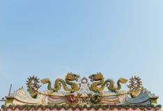 Πράσινος δράκος στη στέγη των λαρνάκων Στοκ φωτογραφία με δικαίωμα ελεύθερης χρήσης