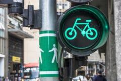 Πράσινος σηματοφόρος ποδηλάτων στοκ εικόνες