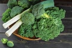 Πράσινος χειμώνας superfood - λάχανο, μπρόκολο και πράσα του Kale πράσινο Στοκ Εικόνα