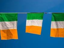 Πράσινο άσπρο πορτοκάλι σημαιών της Ιρλανδίας τρίχρωμο Στοκ Εικόνα
