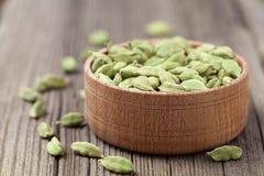 Πράσινο ασιατικό άρωμα ayurveda τροφίμων καρδάμωμων έξοχο στοκ εικόνες