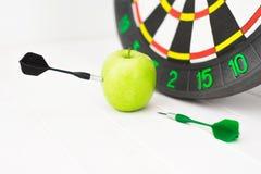 Πράσινο βέλος μήλων Στοκ εικόνα με δικαίωμα ελεύθερης χρήσης