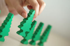 πράσινο δέντρο παιχνιδιού π& Στοκ Εικόνες