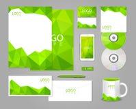 Πράσινο εταιρικό πρότυπο ταυτότητας με τα πολύγωνα Στοκ φωτογραφία με δικαίωμα ελεύθερης χρήσης
