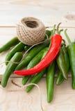 πράσινο καυτό κόκκινο πιπεριών τσίλι Στοκ φωτογραφίες με δικαίωμα ελεύθερης χρήσης
