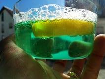 Πράσινο κρύο ποτό Στοκ φωτογραφία με δικαίωμα ελεύθερης χρήσης
