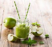πράσινο μήλου καταφερτζής Στοκ φωτογραφίες με δικαίωμα ελεύθερης χρήσης