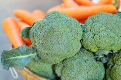 Πράσινο μπρόκολο στην αγορά Στοκ Φωτογραφίες