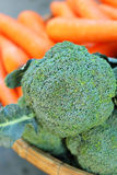 Πράσινο μπρόκολο στην αγορά Στοκ Εικόνες