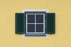 πράσινο παράθυρο παραθυρό Στοκ εικόνα με δικαίωμα ελεύθερης χρήσης