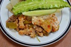 Πράσινο πόδι χοιρινού κρέατος κάρρυ με το ταϊλανδικό χορτάρι στο ρύζι Στοκ φωτογραφία με δικαίωμα ελεύθερης χρήσης