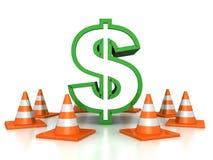 Πράσινο σημάδι δολαρίων που προστατεύεται από τους κώνους οδικής κυκλοφορίας Στοκ Εικόνα