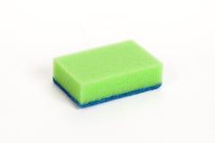 Πράσινο σφουγγάρι καθαρισμού Στοκ φωτογραφία με δικαίωμα ελεύθερης χρήσης