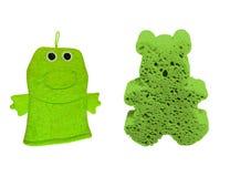 Πράσινο σφουγγάρι Wascloth και πλυσίματος Στοκ φωτογραφία με δικαίωμα ελεύθερης χρήσης
