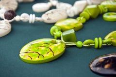 Πράσινο σύνολο κοσμήματος καρυδιών Tagua Στοκ Φωτογραφίες