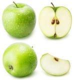 Πράσινο σύνολο μήλων περικοπών που απομονώνεται σε ένα άσπρο υπόβαθρο Στοκ Εικόνες