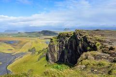 Πράσινο τοπίο της Ισλανδίας από την περιφερειακή οδό roadtrip στοκ εικόνα
