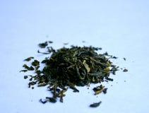 Πράσινο τσάι με τα πέταλα λουλουδιών Στοκ εικόνα με δικαίωμα ελεύθερης χρήσης