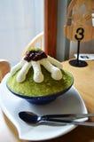 Πράσινο τσάι παγωτού και κόκκινο φασόλι Στοκ Εικόνα