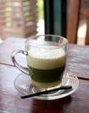 Πράσινο τσάι στον πίνακα Στοκ εικόνα με δικαίωμα ελεύθερης χρήσης