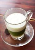 Πράσινο τσάι στον πίνακα Στοκ Εικόνα