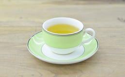 Πράσινο τσάι στο πράσινο φλυτζάνι Στοκ φωτογραφίες με δικαίωμα ελεύθερης χρήσης