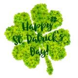 Πράσινο τυχερό διανυσματικό τριφύλλι με την καλλιγραφική ημέρα του ST Πάτρικ ` s σημαδιών ευτυχή Στοκ φωτογραφία με δικαίωμα ελεύθερης χρήσης