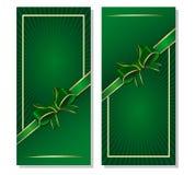 Πράσινο υπόβαθρο με την κορδέλλα και τόξο για την ημέρα του ST Patricks και τα εορταστικά γεγονότα Στοκ Εικόνα