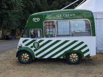 Πράσινο φορτηγό τροφίμων παγωτού, Κίνγκστον επάνω στον Τάμεση, Αγγλία, Ηνωμένο Βασίλειο Στοκ Φωτογραφίες