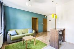 Πράσινο δωμάτιο ξενοδοχείου Στοκ εικόνα με δικαίωμα ελεύθερης χρήσης