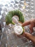 Πράσινο doughnut τσαγιού στοκ φωτογραφίες