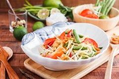 Πράσινο Papaya SOM TAM σαλάτας Στοκ Φωτογραφία