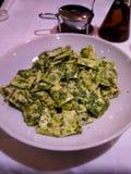 Πράσινο ravioli pesto στοκ εικόνες με δικαίωμα ελεύθερης χρήσης